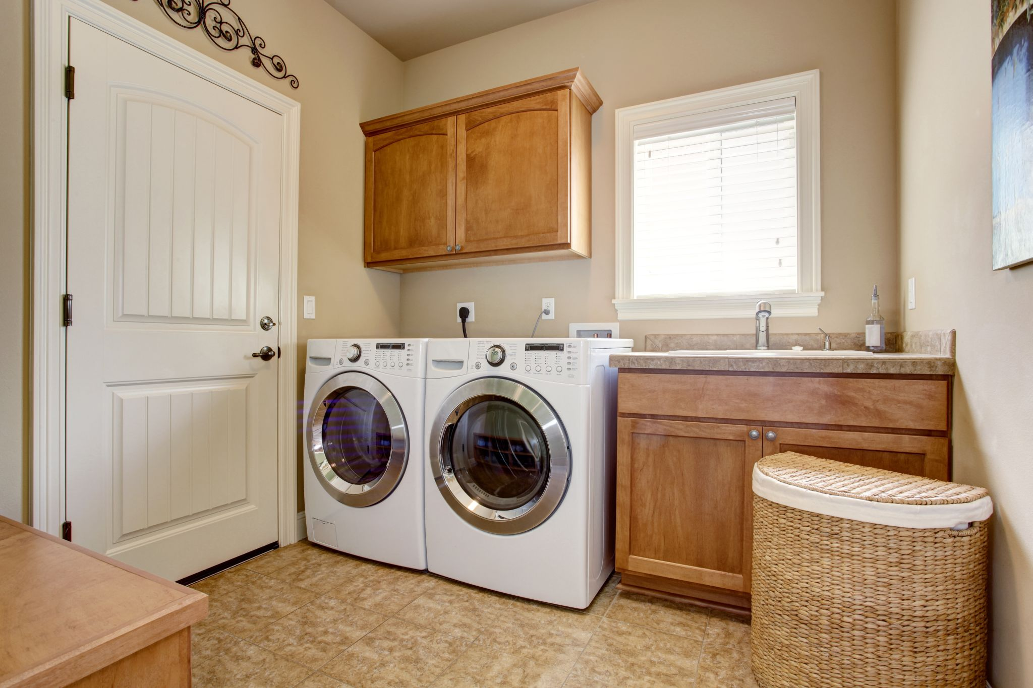 surenkamos PVC vonios kambario grindys